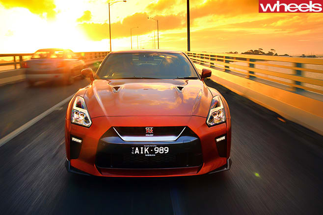 2017-Nissan -GT-R-driving -front