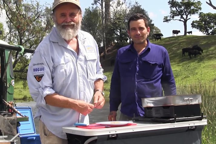 Bush cooking with Roothy: Smoked Chicken