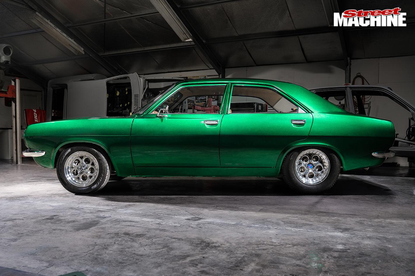 Chrysler Centura side