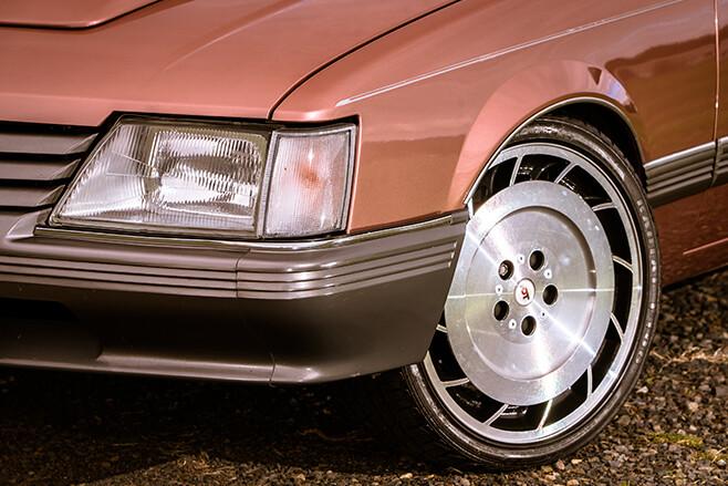 Holden VK Berlina wheel