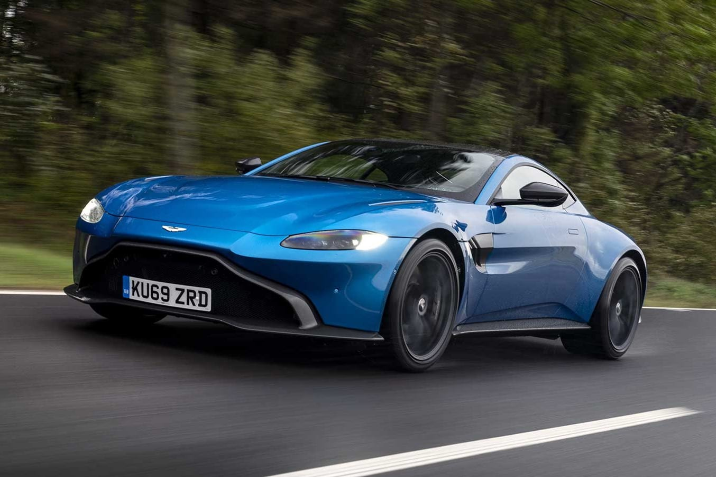 Aston Martin Vantage manual review