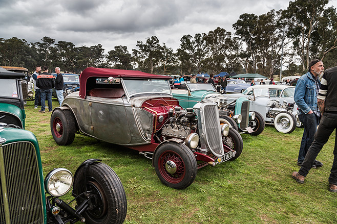 Tubbed 1933 Ford roadster