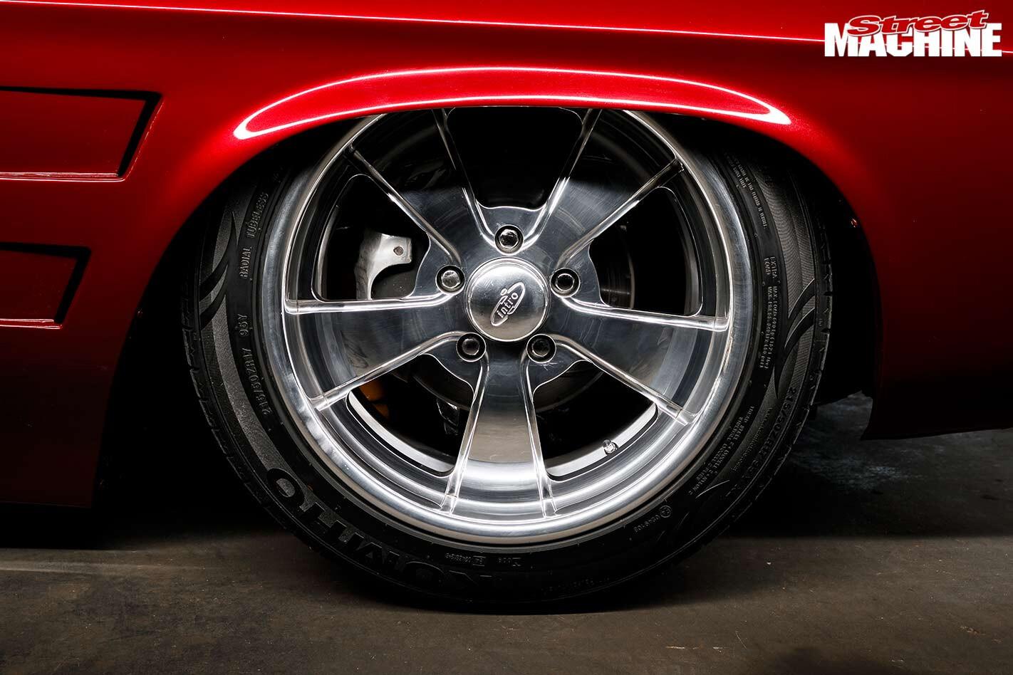 Holden HQ wagon wheel