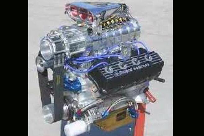 Rodney Ali blown Hemi engine