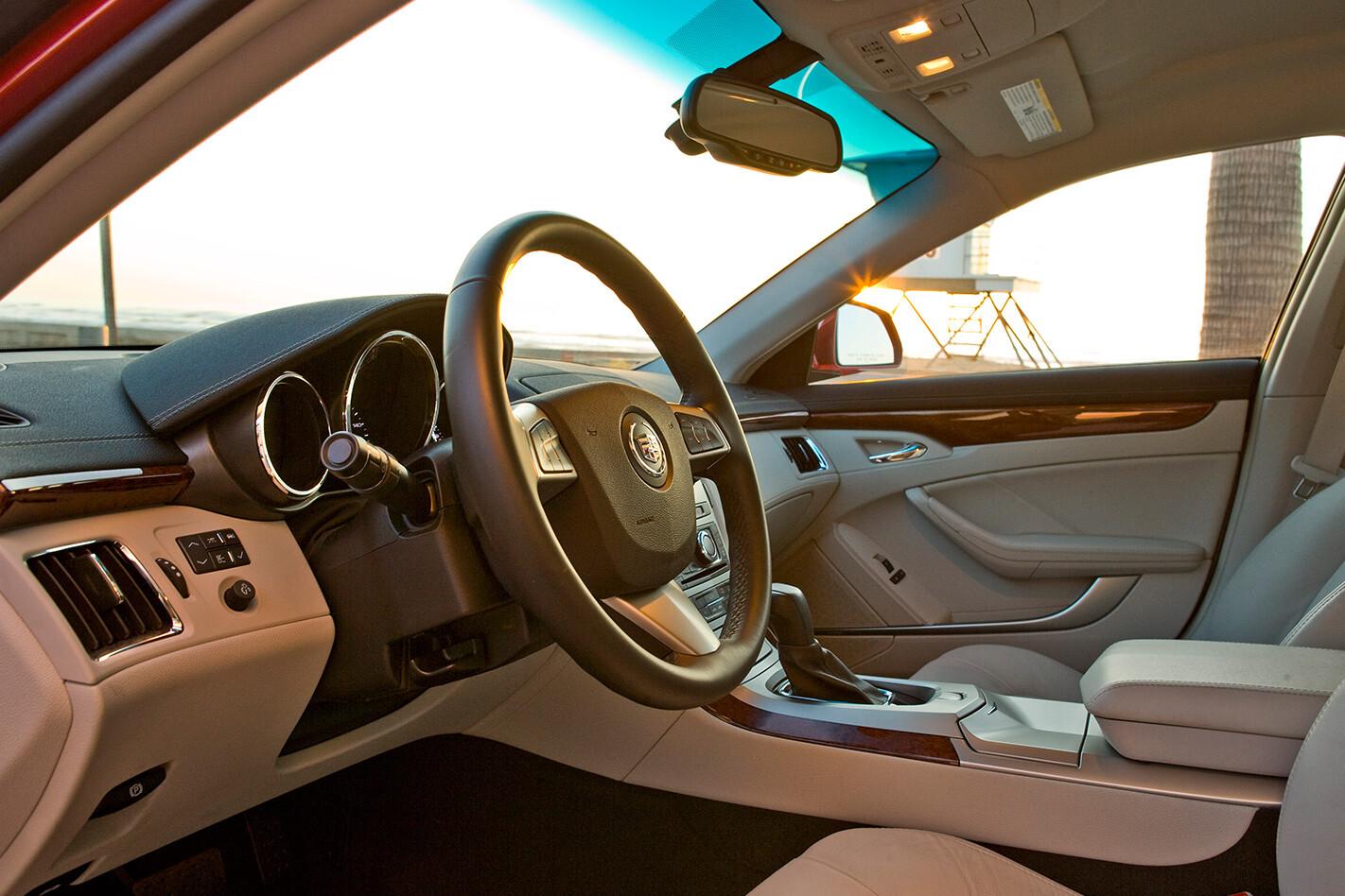 Cadillac-CTS-steering-wheel.jpg