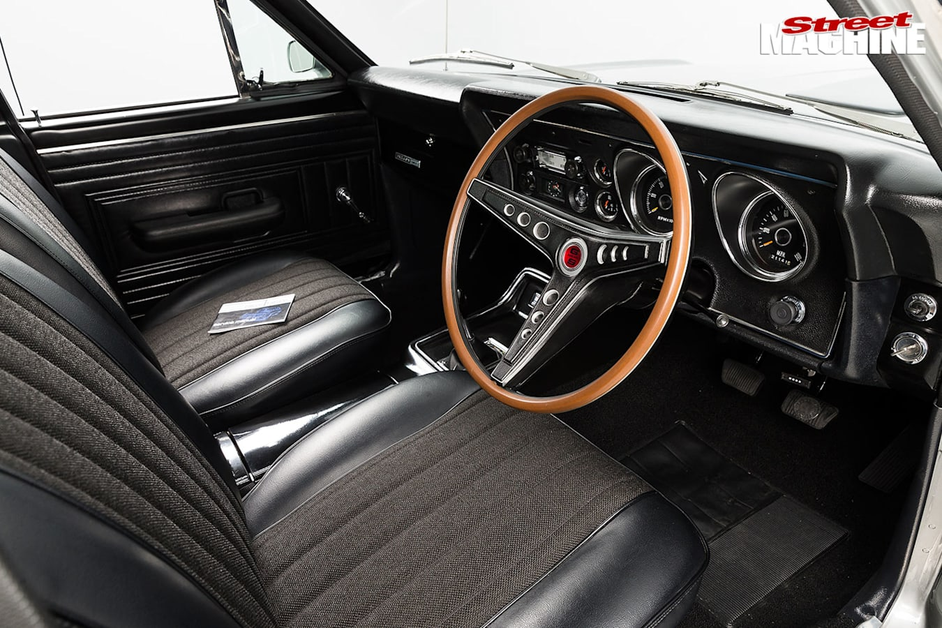 Ford Falcon XW GS panel van interior front