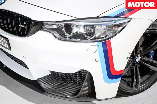 2016-BMW-M4-M-Performance -front
