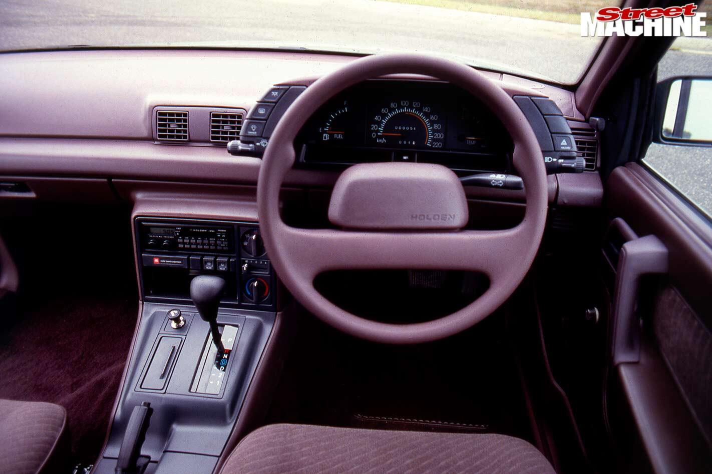 Holden Commodore VN dash