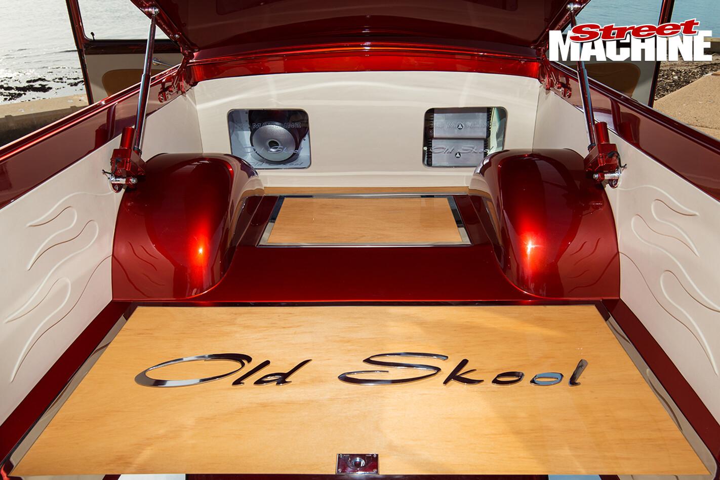 Ford -mainline -ute -old -skool -tray -1