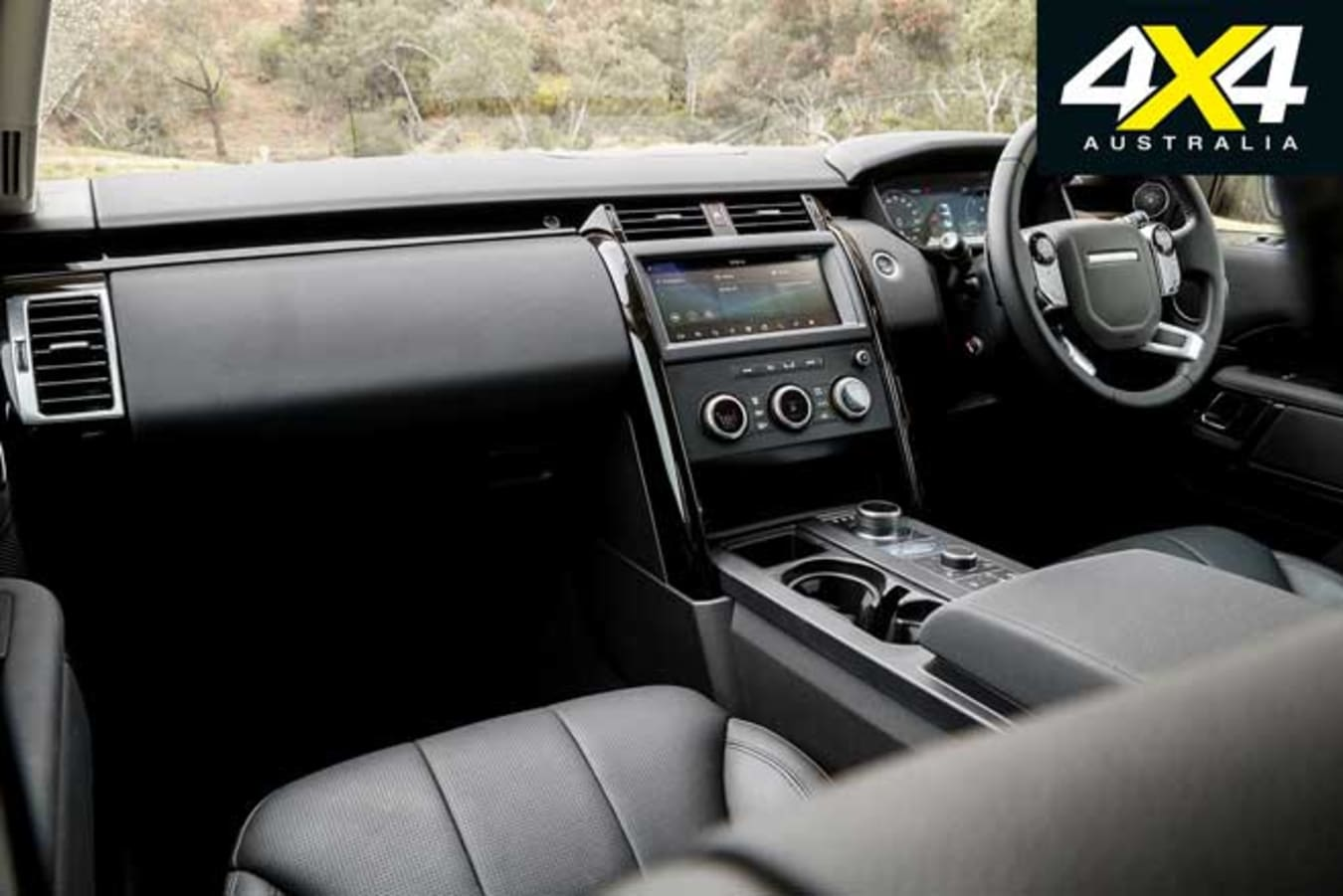 2020 4 X 4 Of The Year Land Rover Discovery Sd 6 Interior Jpg