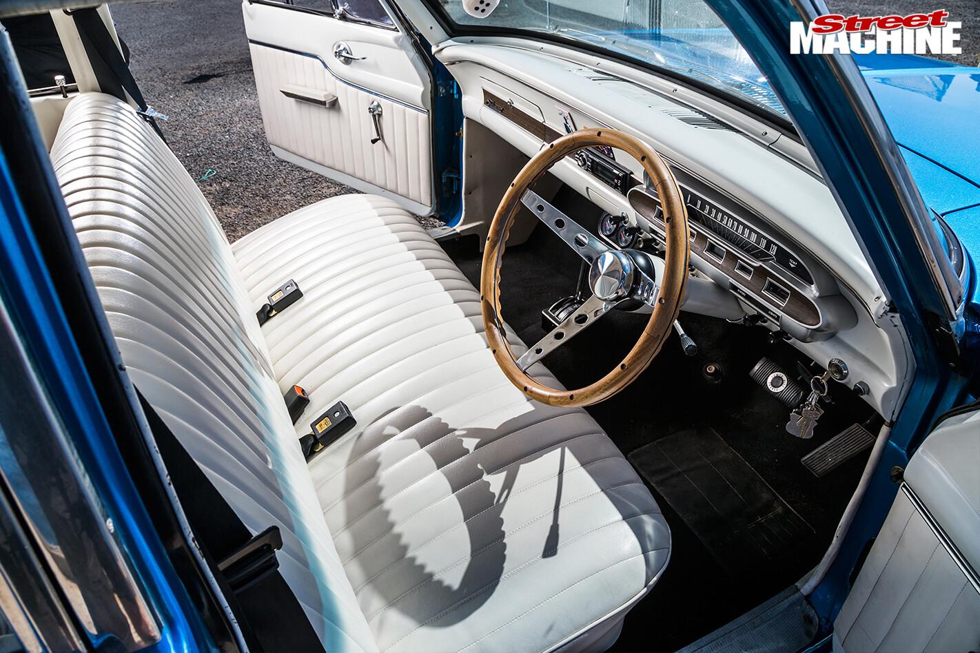 Ford -xp -falcon -interior -2