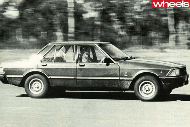 Ford -Falcon -XD-1-2-driving -side