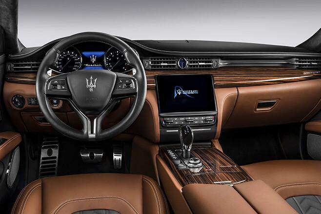 Maserati Quattroporte tan leather interior