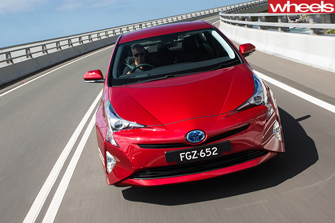 Toyota -Prius -front -driving