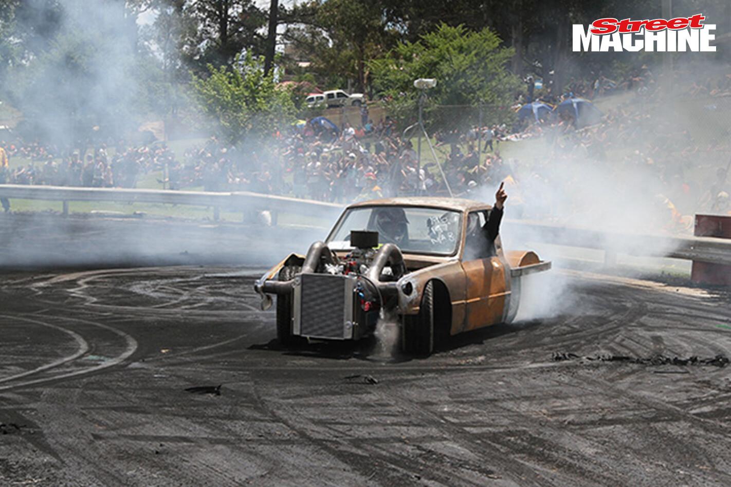SUSLS1 Mazda Ute Burnout 6 Nw