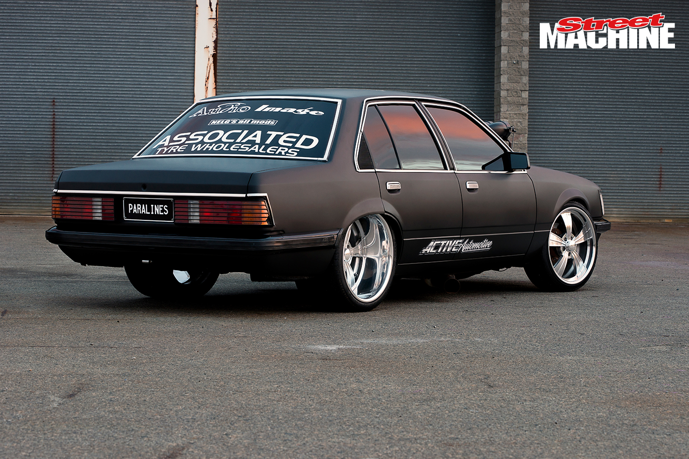 VH Commodore Burnout PARALINES 4 Nw
