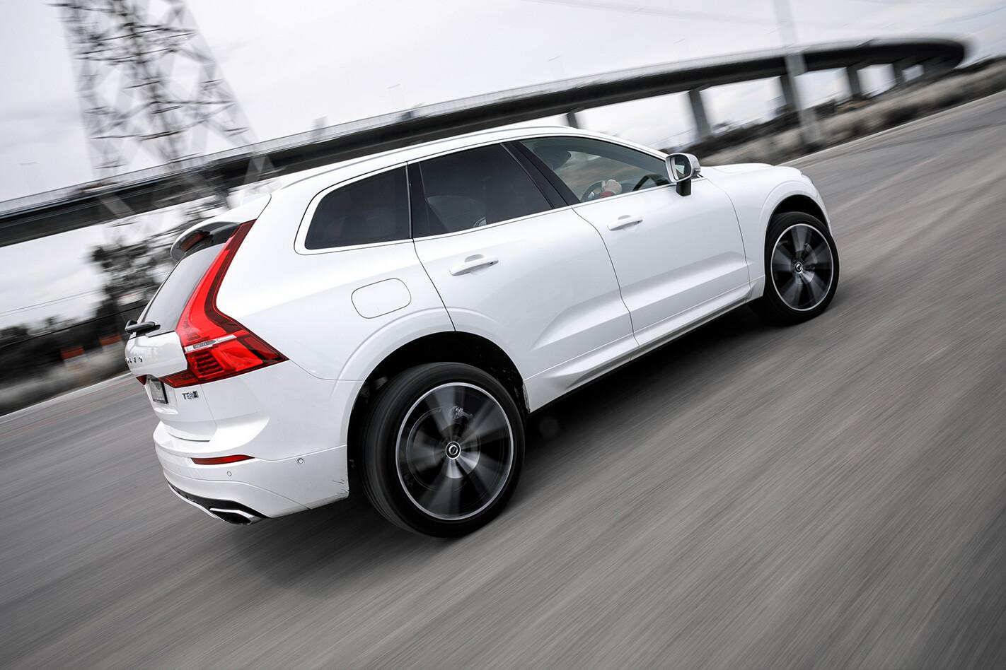 Performance SUV Comparo Volvo XC 60 ENDER Jpg
