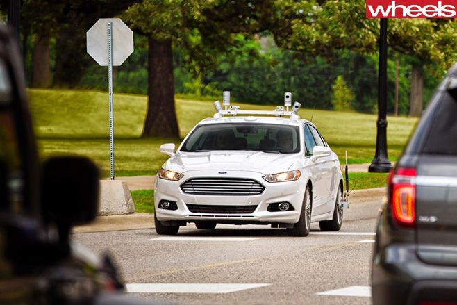 Ford -Fusion -autonomous -vehicle -driving
