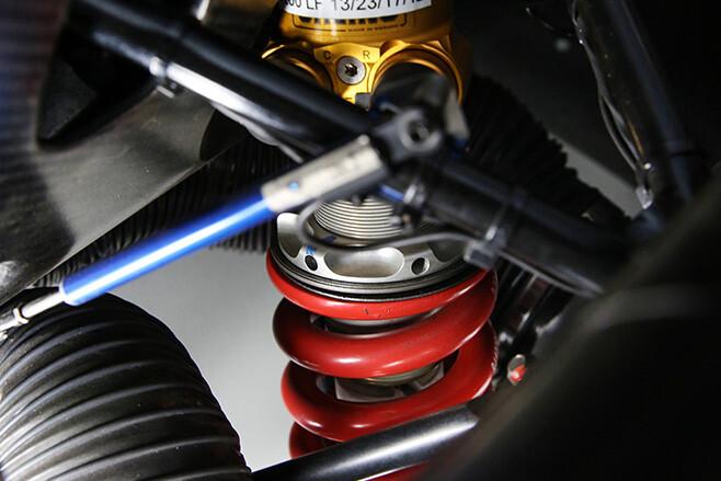 BMW M6 GT3 suspension