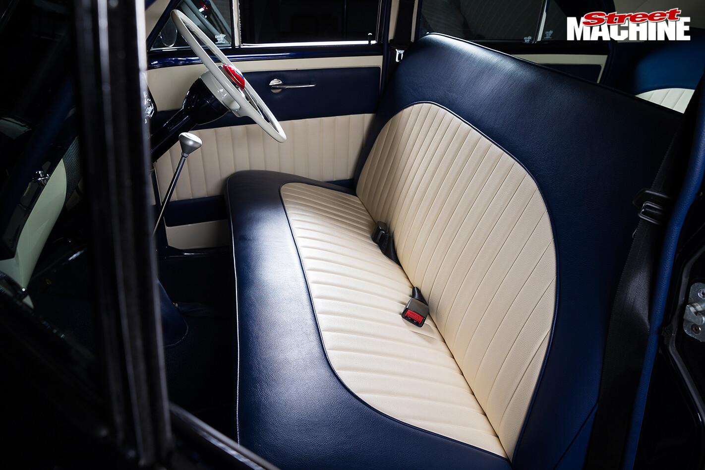 Holden -fx -sedan -seats