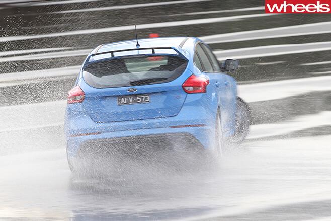 Ford -Focus -drifting -rear -track