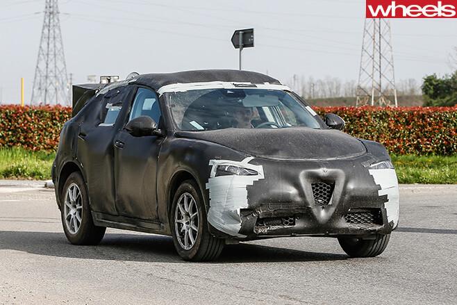Alfa -Romeo -Stelvio -front -side