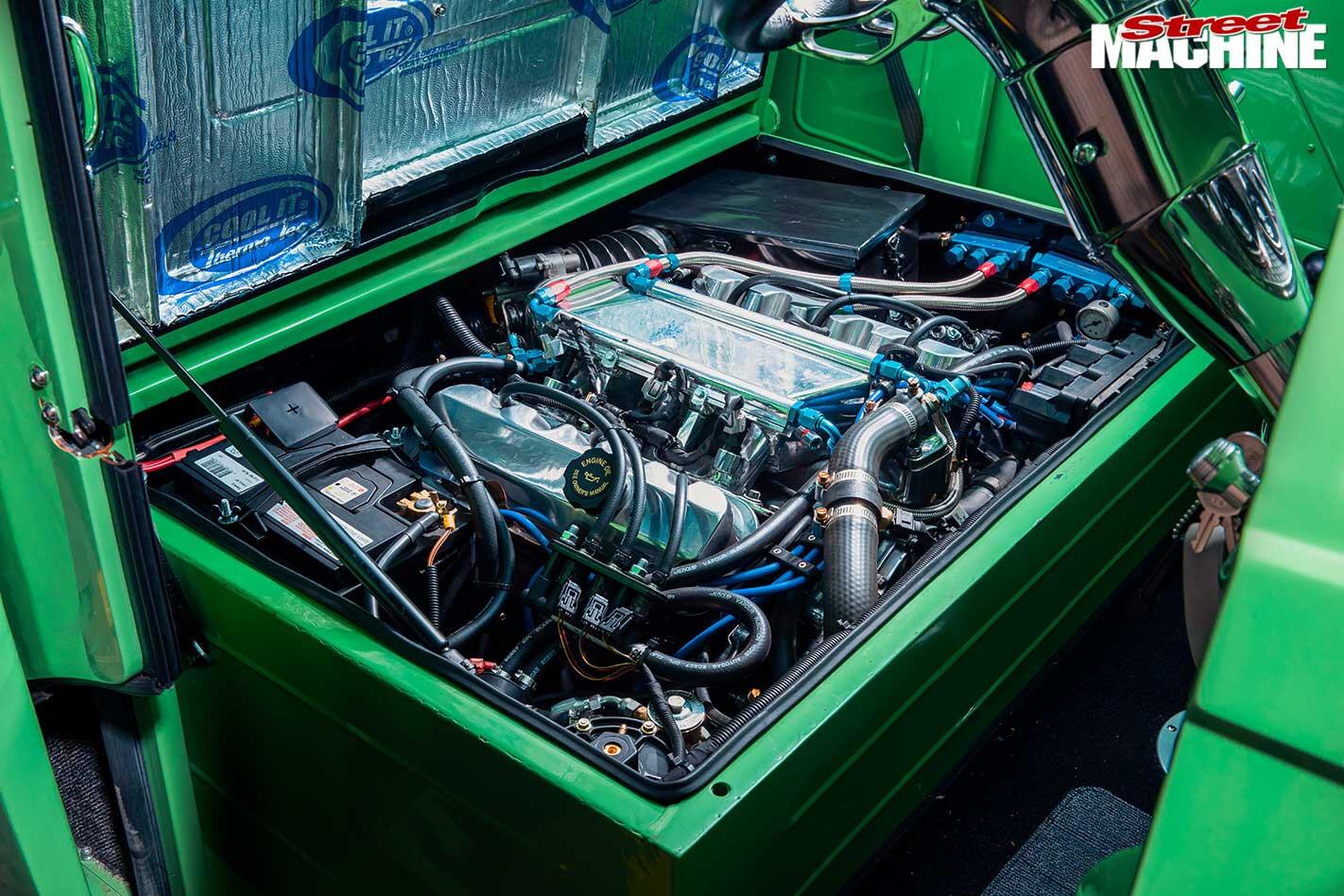 Morris J-Van engine bay