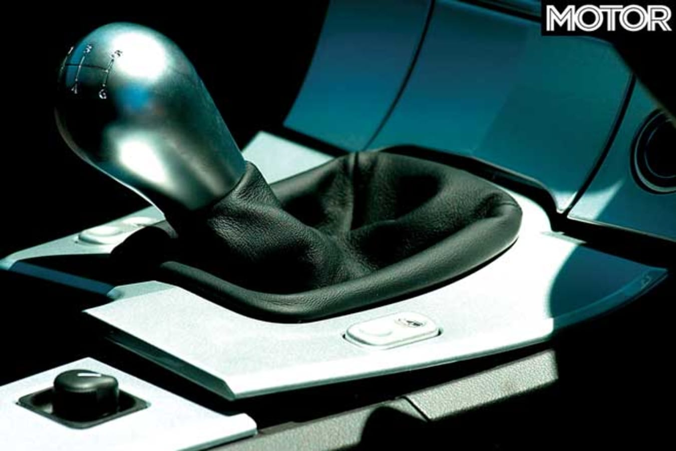 Performance Car Of The Year 2004 Chrysler Crossfire Gearchange Jpg
