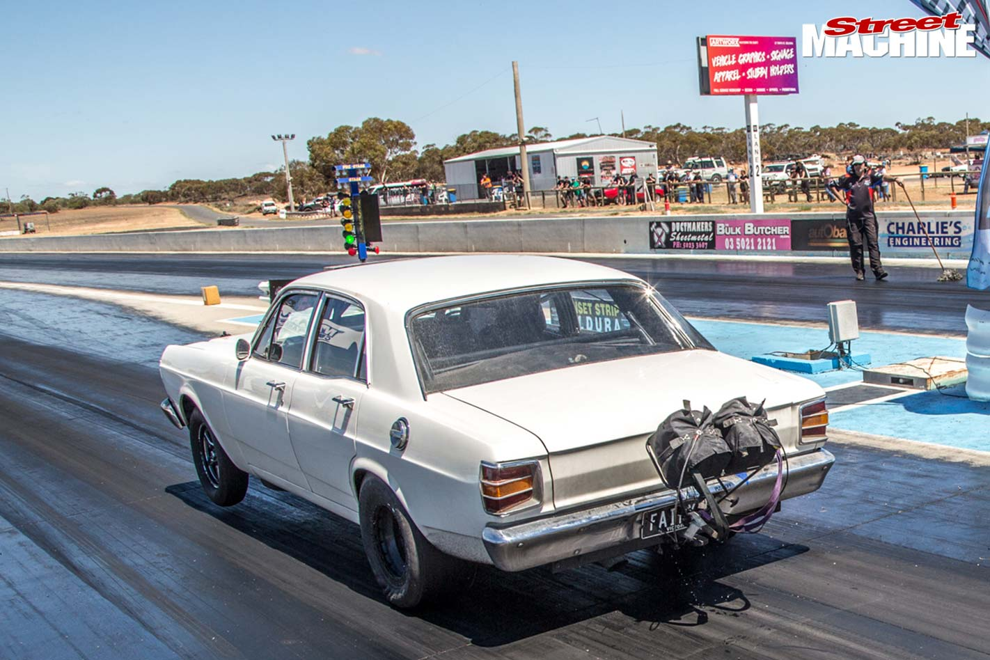 Ford XW Falcon drag challenge