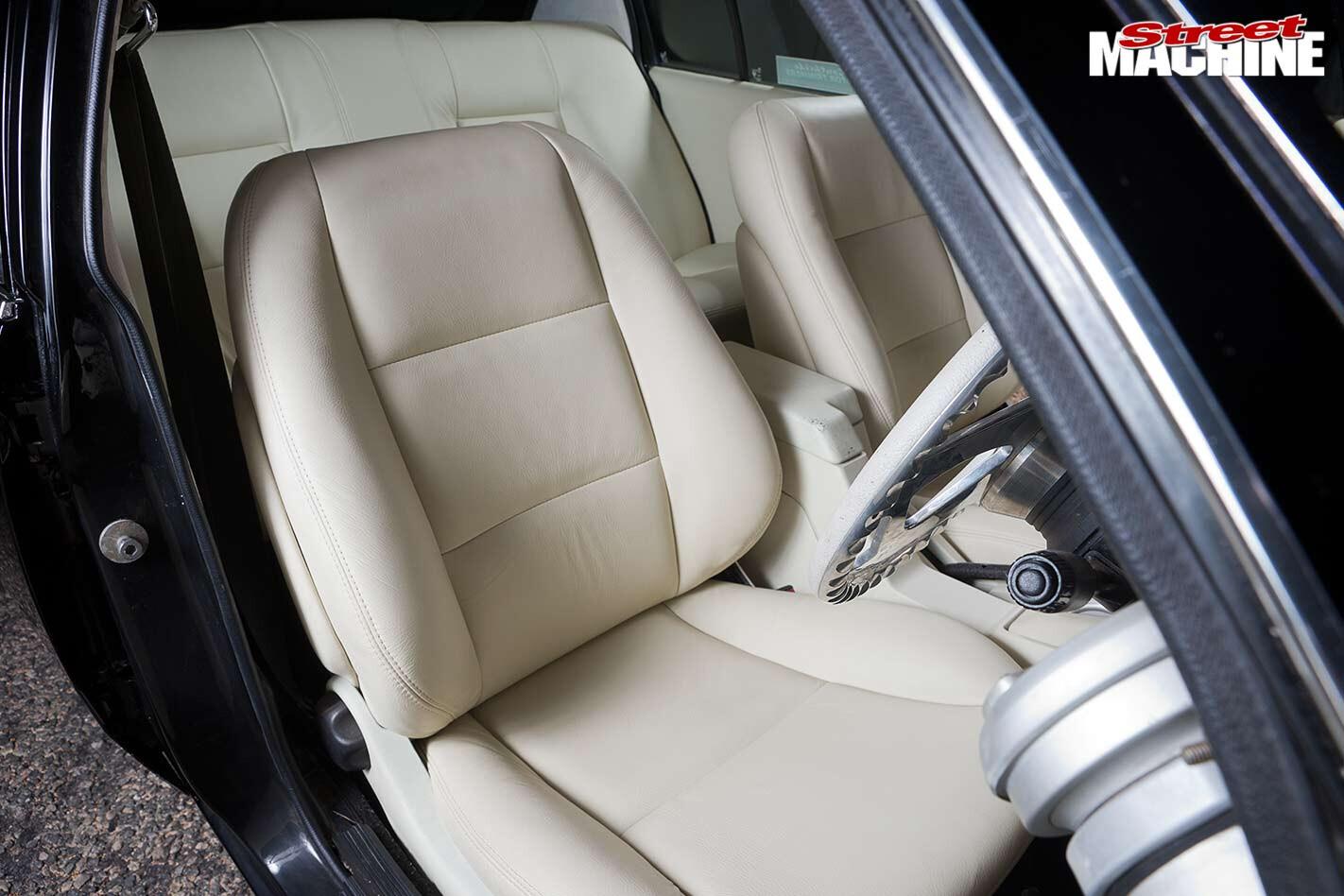 Holden VH Commodore SL/E interior