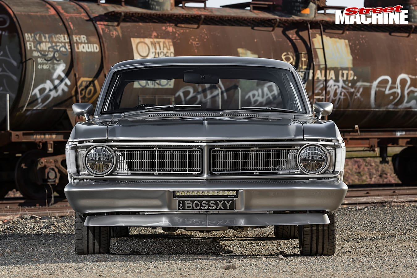 Ford XY Falcon front