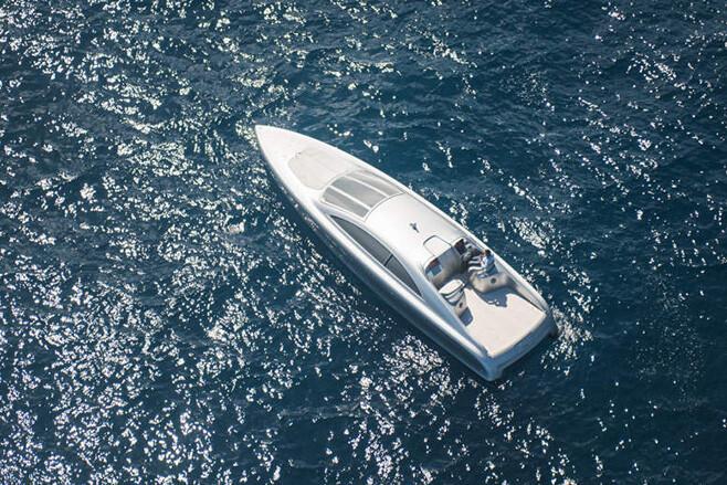 Mercedes Benz Silver Yacht