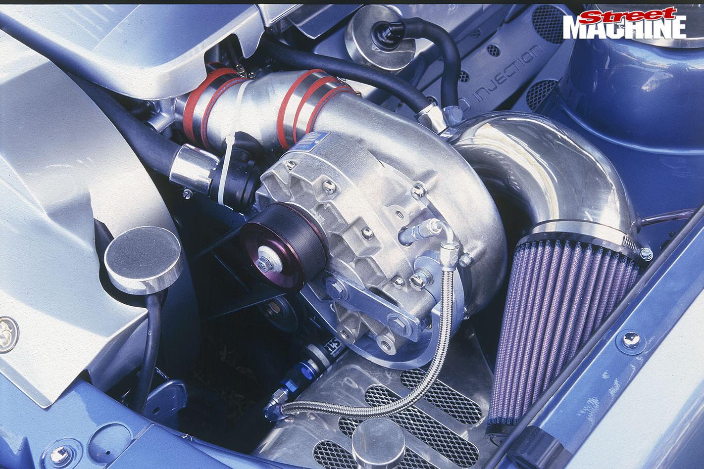 Holden VL Calais engine bay
