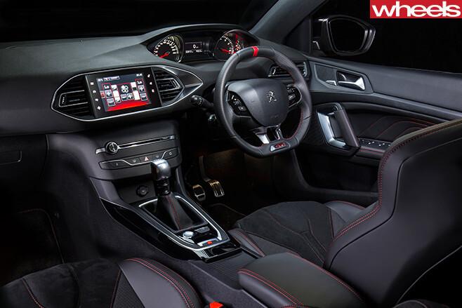 Peugeot -308-GTI-interior