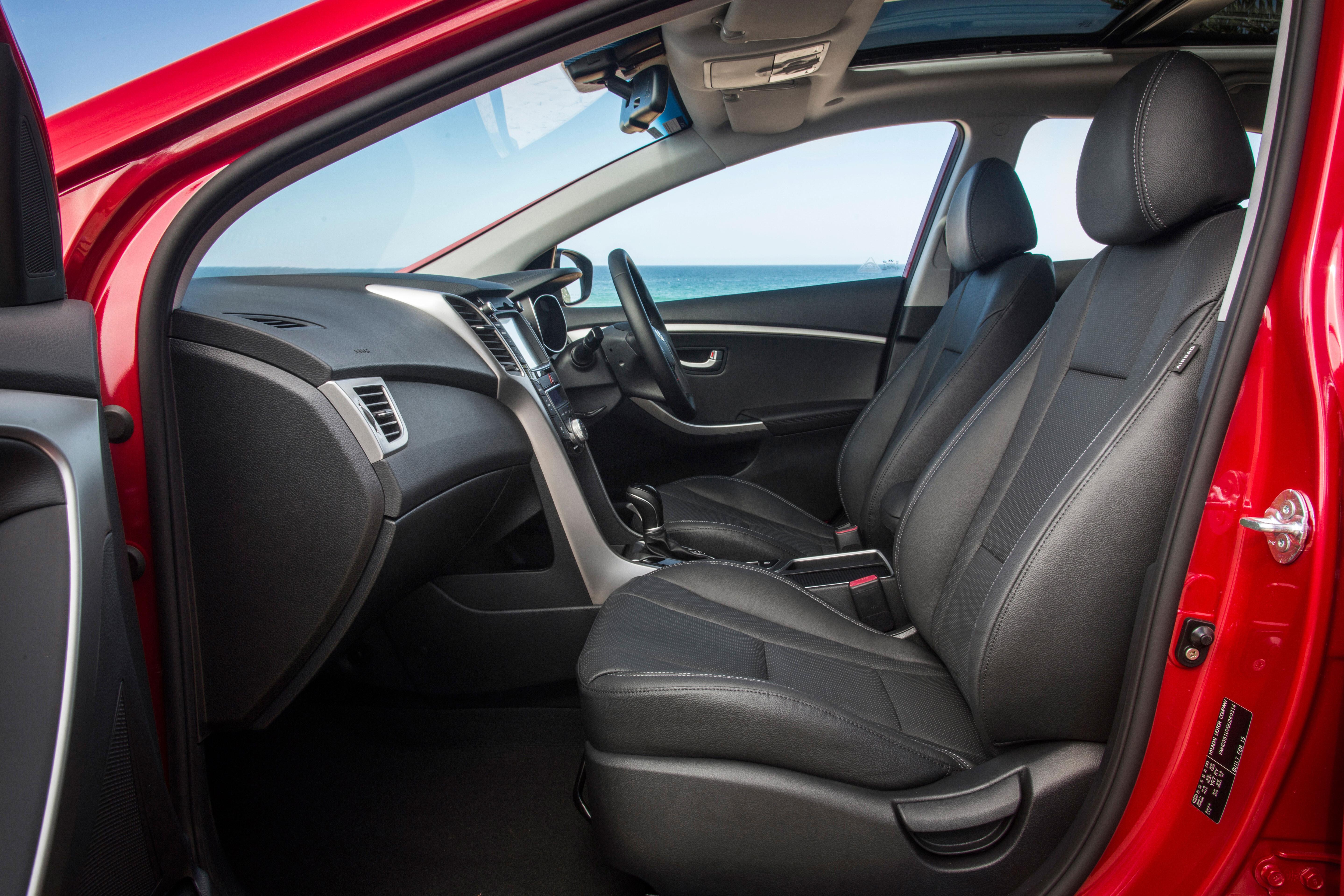 2015_Hyundai _i 30_review _12