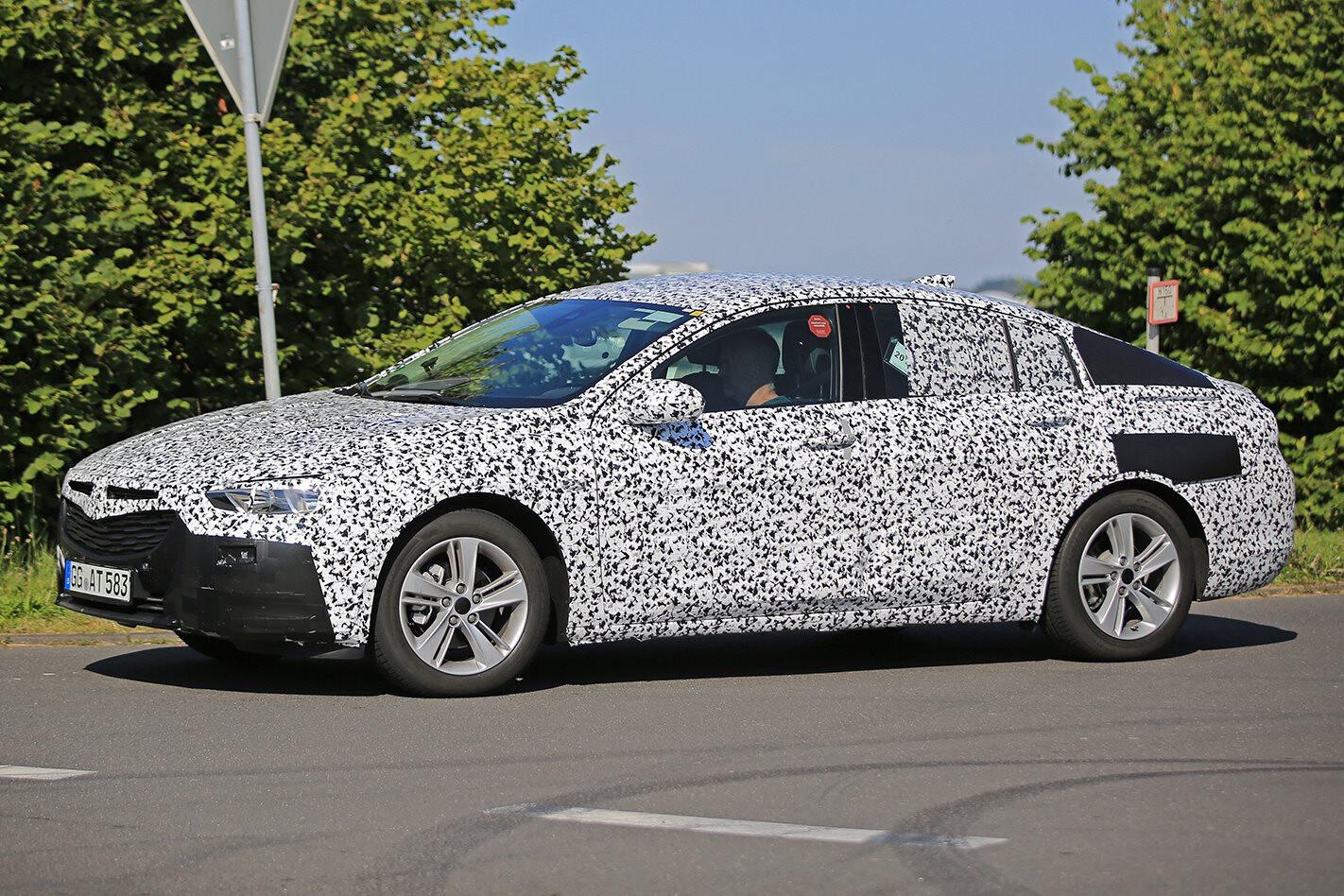 2017 Opel Insignia Spy Pics