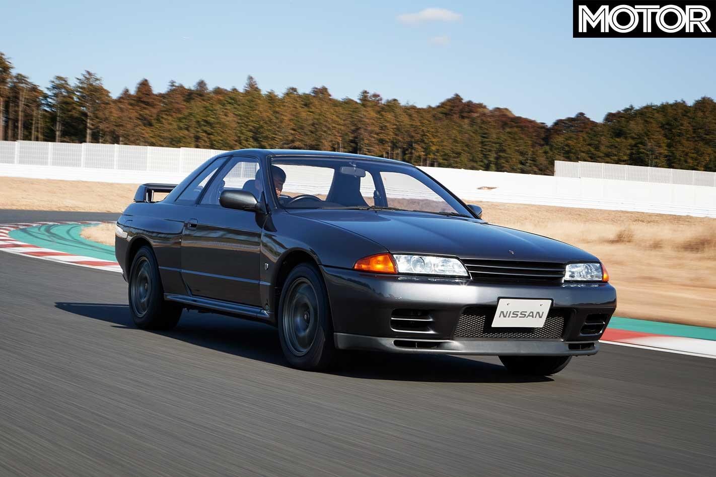 1989 Nissan R 32 Skyline GT R Front Dynamic Jpg