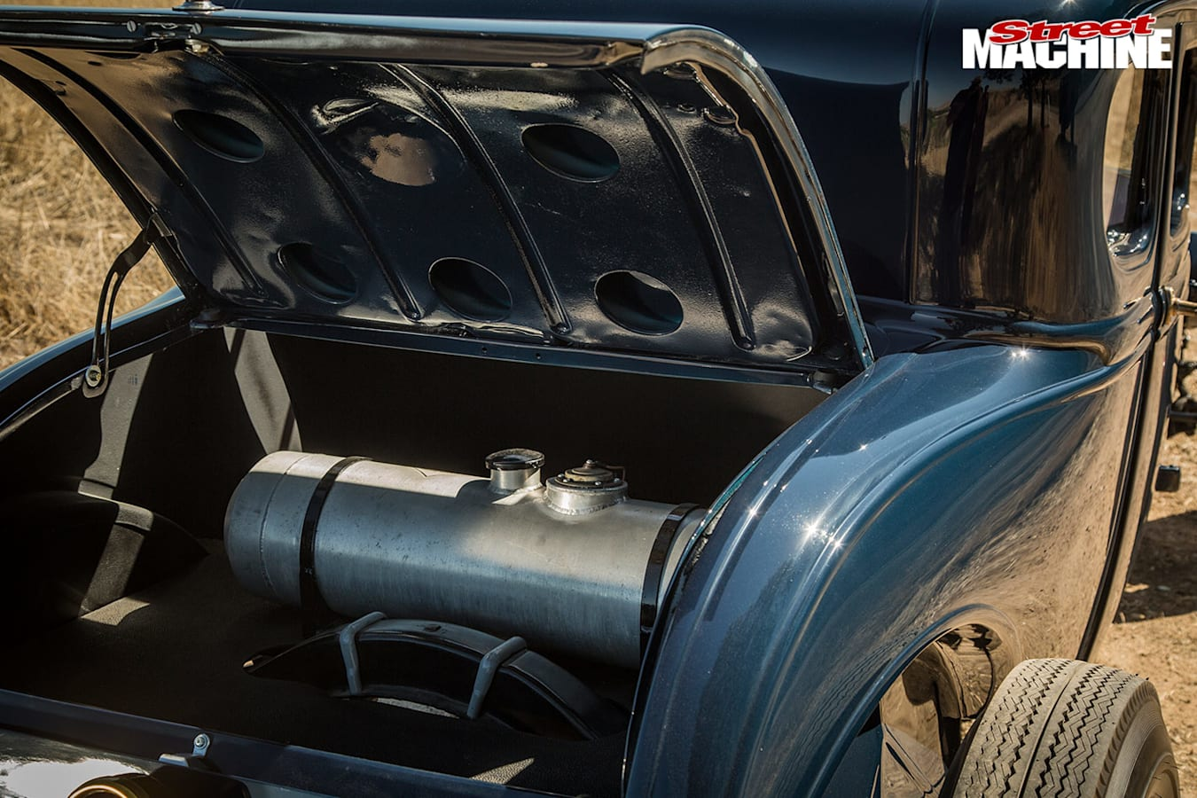 Ford Model A coupe boot