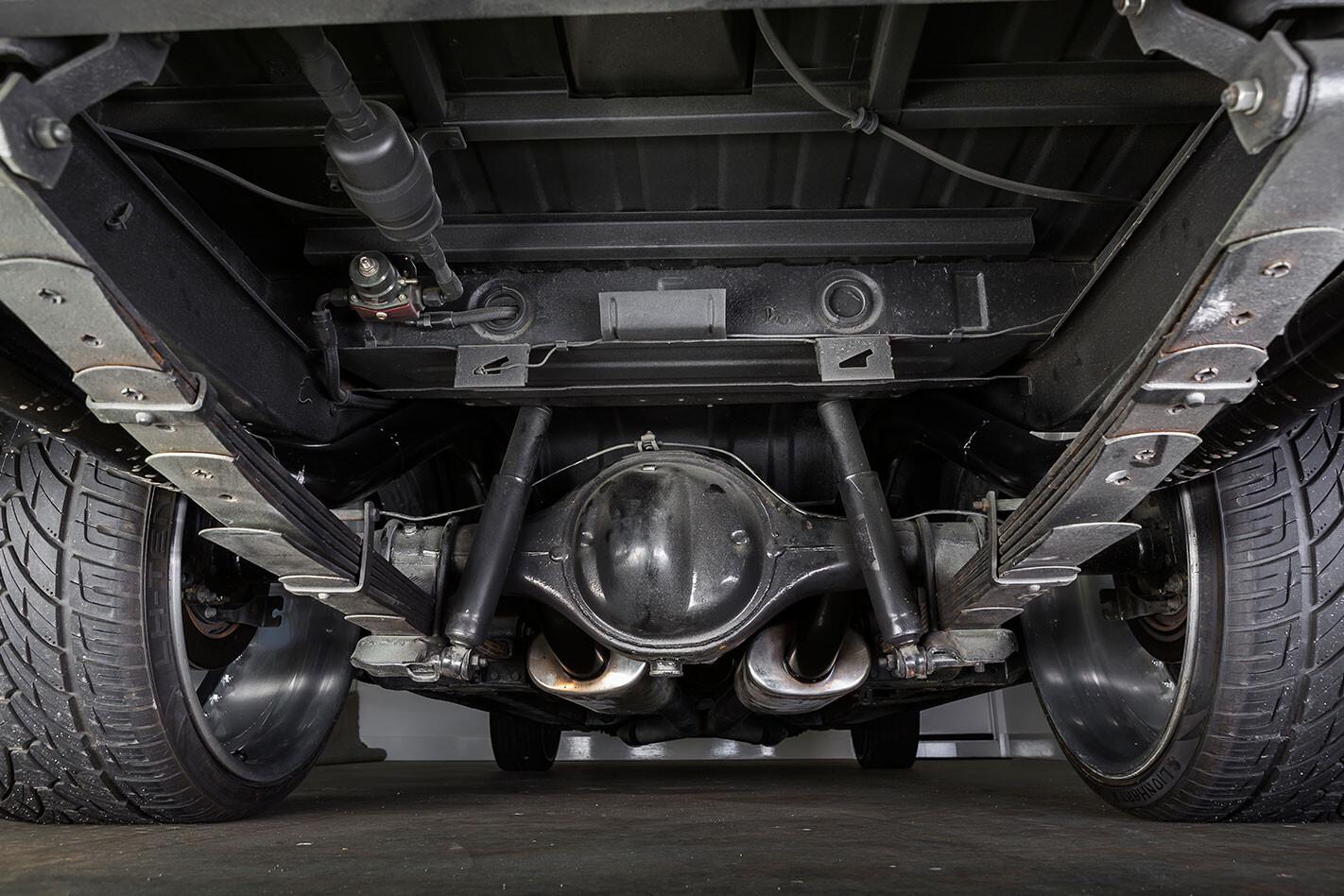 Chrysler CL Valiant ute underside
