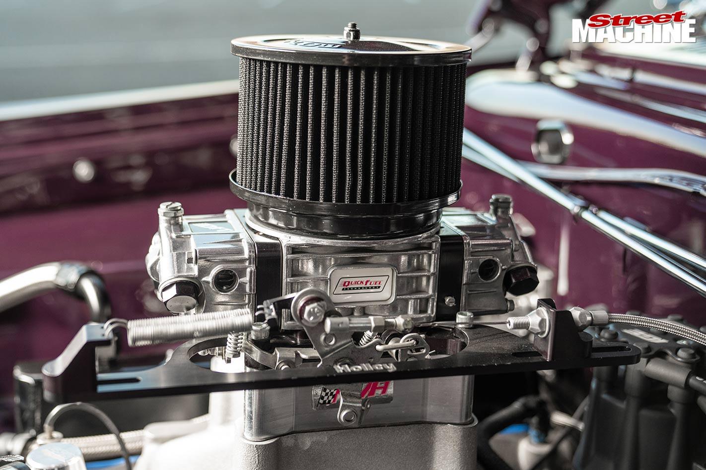 Chrysler VC Valiant engine bay