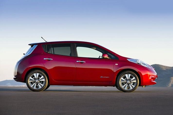 Nissan Leaf Jpg