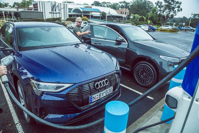 Mercedes-Benz EQC vs Audi e-tron
