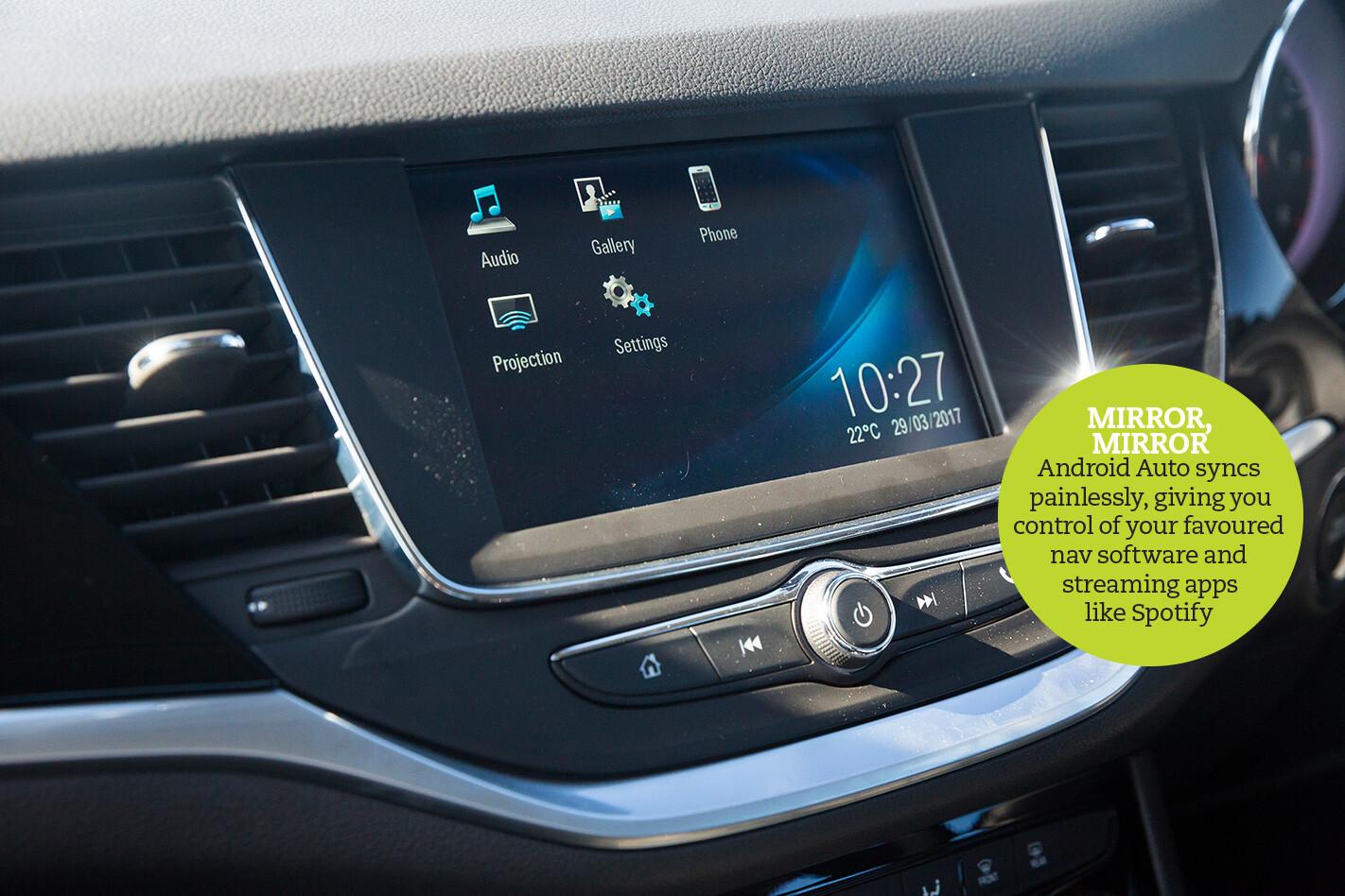 Holden Astra Interior Infotainment Jpg