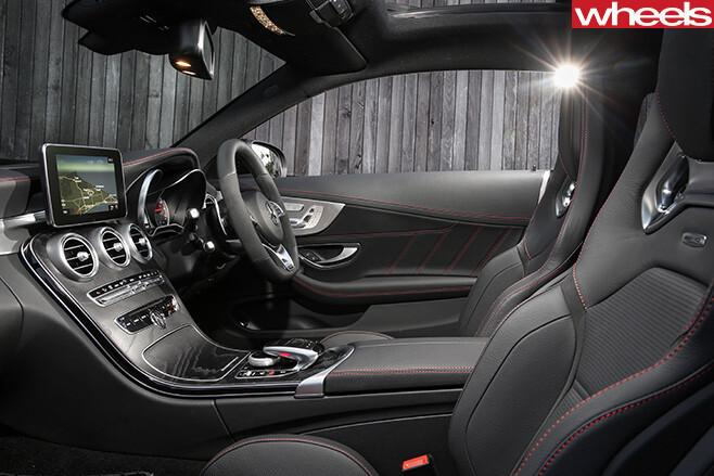Mercedes -AMG-C43-Coupe -interior