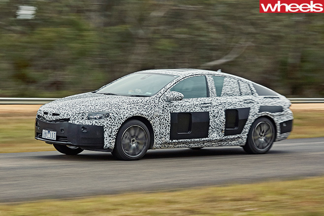 2018-Holden -Commodore -driving -front -side