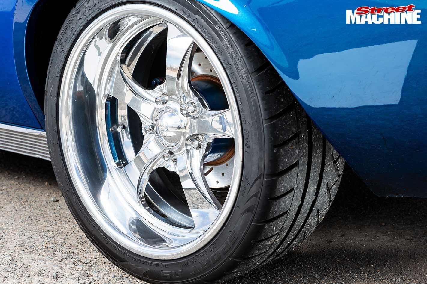 Holden HQ Premier wheel