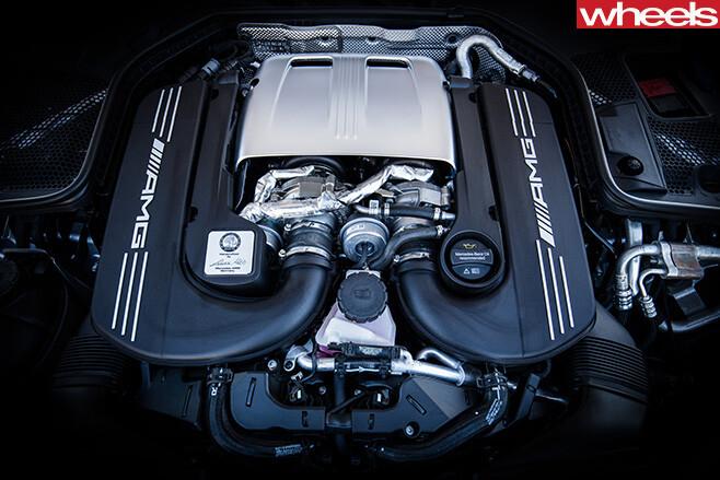 Mercedes -AMG-C63-Cabriolet -engine