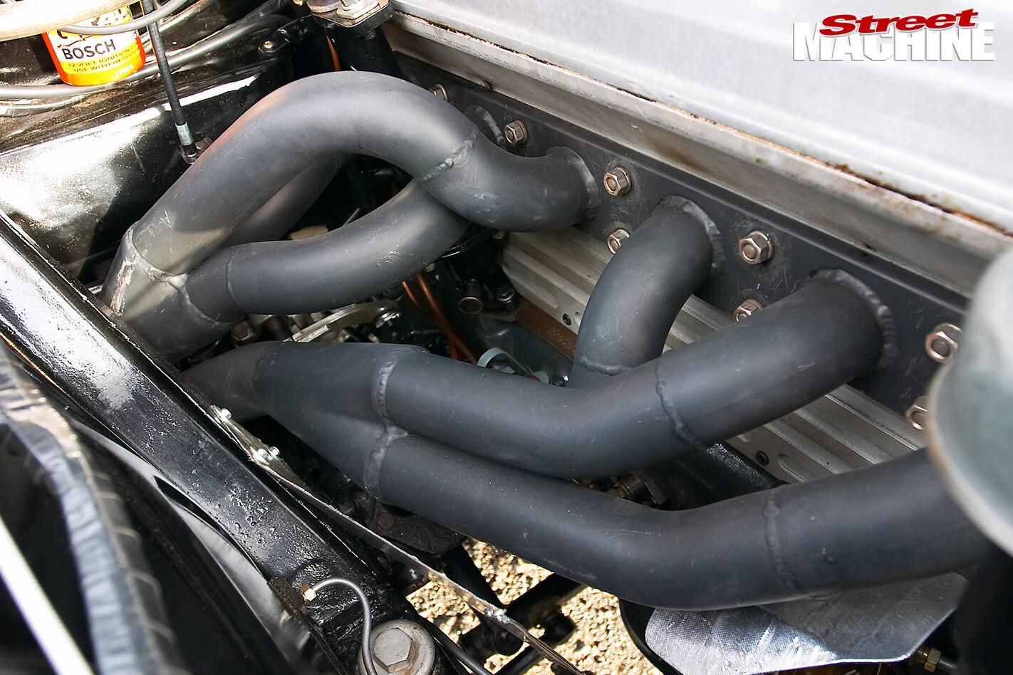 Holden -FX-48-215-engine -detail