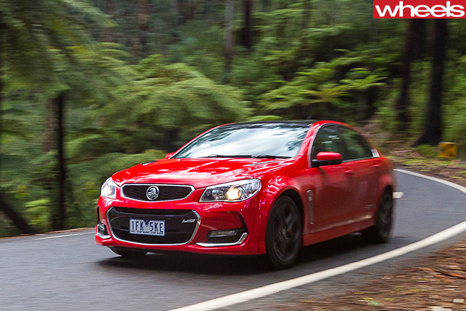 Holden -Commodoore -driving -side -through -twisting -roads