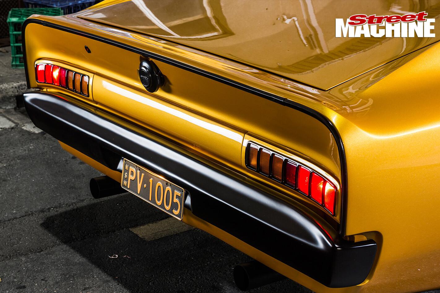 Chrysler -VJ-Charger -rear -boot -lip